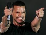 Ricky Martin suspende concierto por dolor muscular